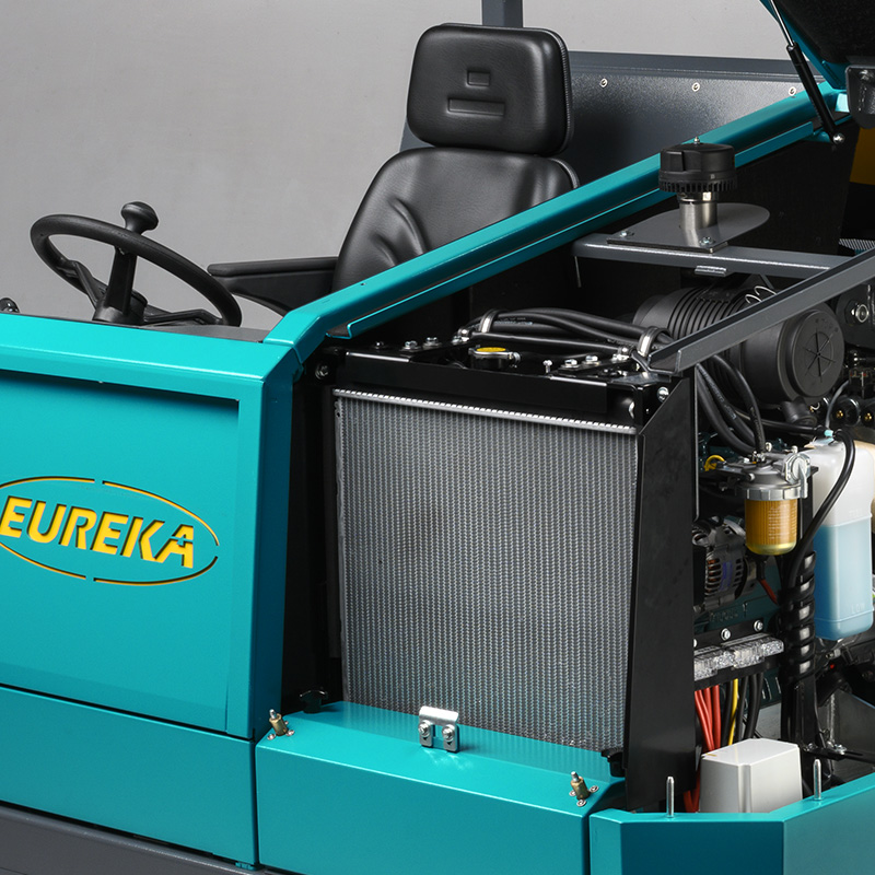 sistema di raffreddamento motore con radiatore frontale Eureka Bull 200