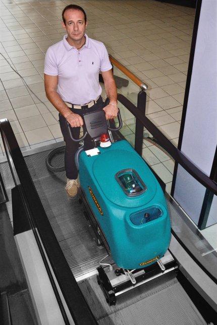 ESCALATOR EC51 - per pulire tappeti e scale mobili